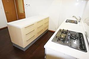 3.2100m/mワイドシステムキッチン+キッチンカウンター+収納付のイメージ