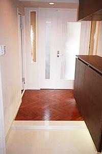 1.気品と実用性溢れる高級新築マンション仕様の玄関まわりのイメージ